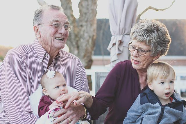 radostní prarodiče