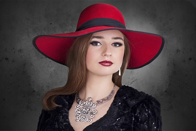 červený klobouk.jpg
