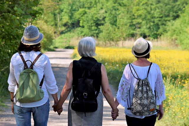 tři přítelkyně
