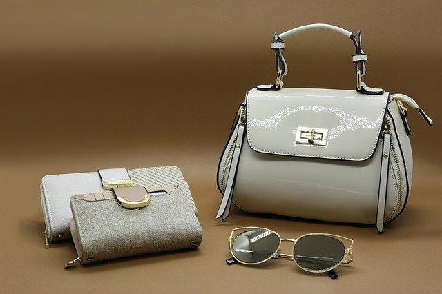 kabelka a peněženky