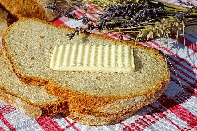 plátek másla